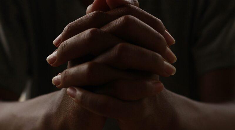 hands-pray