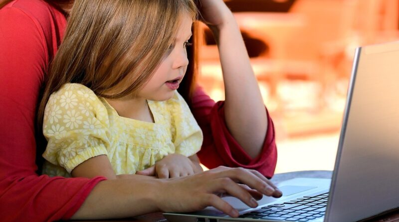 4 saveta za lakše roditeljstvo u digitalnom dobu